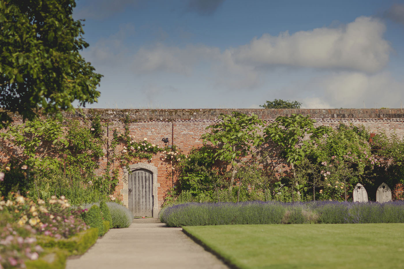 chrissarah walled garden midhurst wedding photographer 0112